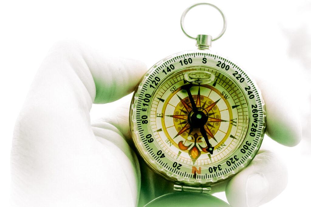 Kompass by https://unsplash.com/